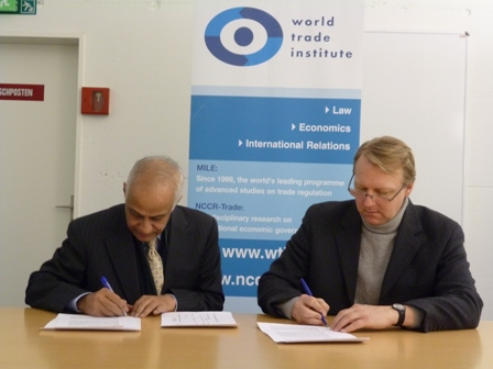 Mr. Pierre Sauve, Deputy Managing Director WTI and Mr. Asaf Ghafoor, Director General PITAD at the MoU signing ceremony