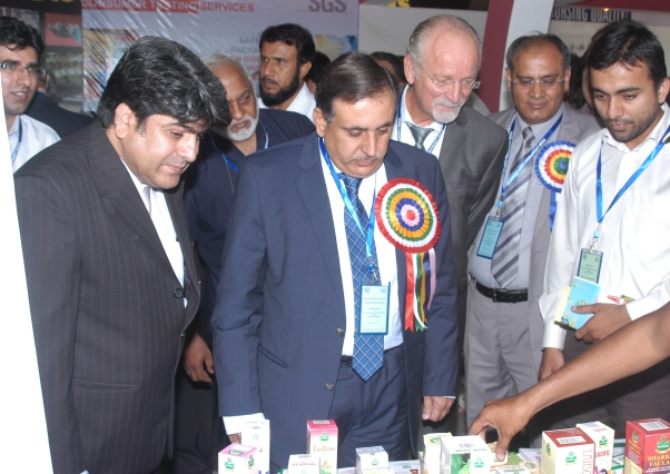 Hon. Mir Changez Khan Jamali, Minister for Science & Technology  visiting the stalls arranged by  the food exporters