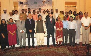 Participants with the distinguished guests