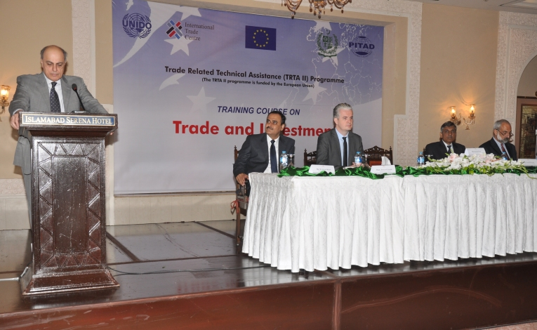 Mr. Qasim Niaz, Federal Secretary Ministry of Commerce  addressing the inaugural  session of the training