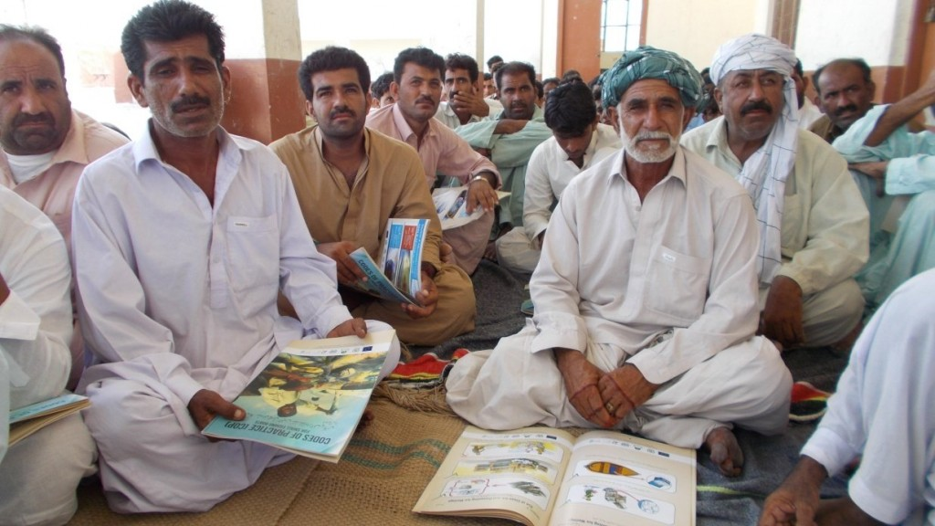 Fishermen in Bal (Baluchistan) eagerly participating in the training
