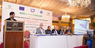 Mr. Waseem Khan of the MFD welcoming participations to the WFD. Seated at the head table are Paul Fanning (FAO), Shaukat Hussain (DG NFD) and Bruno Valanzuolo (TRTA II-CTA)